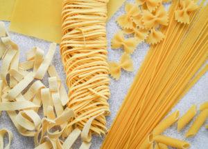 Photo de pâtes de différentes formes